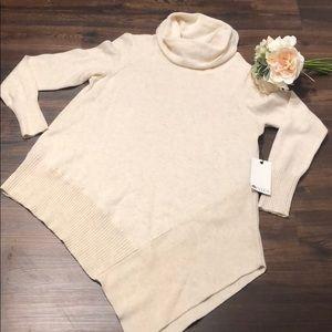 Gorgeous asymmetrical sweater Large Stylus NWT